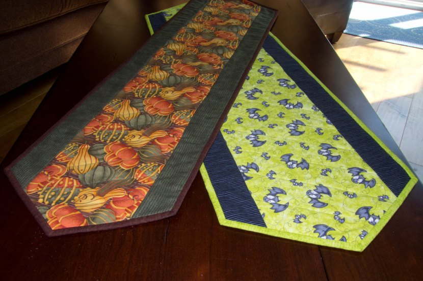 quilted Halloween table runners